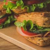 sumuštinis su kalakutienos kumpiu